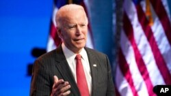 Presiden AS terpilih Joe Biden berbicara di The Queen theater di Wilmington, Delaware, 19 November 2020. Jumat, 20 November 2020, Biden merayakan ulang tahun ke-78.