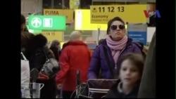 Một số hành khách phải bật thiết bị điện tử khi bay tới Mỹ