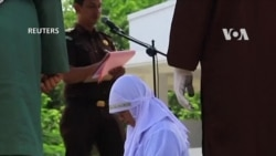 Indonesia: Bị phạt roi vì yêu đương nơi công cộng