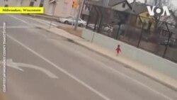 Nữ tài xế giải cứu em bé đi lạc gần cao tốc
