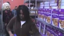 NYC: Oboje rade, ali ne mogu preživjeti bez banke hrane