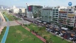İzmir'de Ata'ya Saygı Yürüyüşü