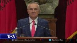 Presidenti Meta padit qeverinë për Teatrin Kombëtar