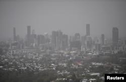 Smoke haze as a result of bushfires blankets central Brisbane, Queensland, Australia, Nov. 9, 2019.