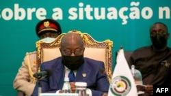 ປະທານາທິບໍດີ ຂອງການນາ ທ່ານ ນານາ ອາກຸໂຟ-ອາດໂດ ເປັນປະທານກອງປະຊຸມສຸດຢອດພິເສດຂອງ ກຸ່ມ ECOWAS ກ່ຽວກັບສະຖານນະການຢູ່ໃນປະເທດມາລີ, ໃນນະຄອນ ອາກກຣາ, ວັນທີ 30 ພຶດສະພາ 2021.