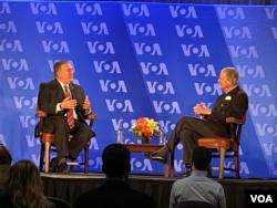 El secretario de Estado de EE.UU., Mike Pompeo, abordó la importancia continua del trabajo de la Voz de América, el lunes 11 de enero de 2021.