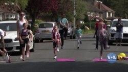 Британська тренерка проводить руханки для жителів свого району. Відео