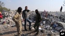 Uništene kuće blizu sela Bariša u Idlibu, posle operacije američke vojske protiv Abu Bakra al-Bagdadija.