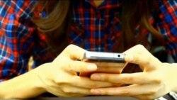 Nyeri Kronis Akibat Memakai Ponsel dan Komputer