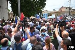 Chủ tịch Cuba Miguel Diaz-Canel ở San Antonio de los Banos, Cuba, ngày 11/7/2021.