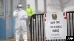 Një pikë testimi të shoferëve për koronavirusin në Stamford, të shtetit Konektikat