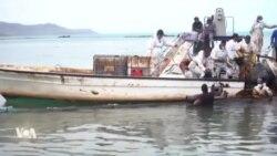 Le carburant qui se déverse du Wakashio menace les côtes mauriciennes