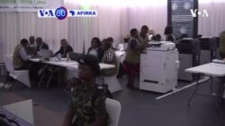 VOA60 AFIRKA: A Kasar Malawi, Hukumar Zaben Kasar Ta Ce Shugaba Peter Mutharika Na Kan Gaban Madugun 'Yan Adawa Lazarus Chakwera