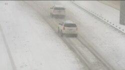 У регіонах США оголошують надзвичайний стан через сніговий шторм. Відео