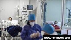 تعداد بالای مبتلایان به کرونا در ایران موجب خستگی و فرسودگی کادر درمانی شده و خطر ابتلای آنها را بالا برده است
