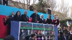 Milli Şuranın mitinqində Əli Kərimli çıxış edir