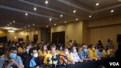 El dirigente opositor venezolano Tomás Guanipa ofrece una rueda de prensa tras su regreso a Venezuela, el 20 de agosto de 2021. [Foto: VOA/Adriana Núñez Rabascall]