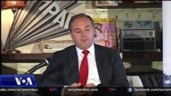 Hoxhaj promovon librin në Tiranë