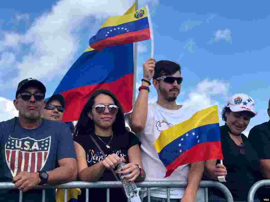 """Las protestas en cada ciudad del mundo buscan lograr el """"cese de la usurpación, el gobierno de transición y las elecciones libres"""", señaló Guaidó."""