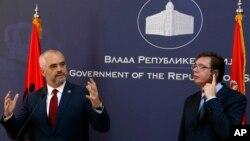 Albanski i srpski premijer, Edi Rama i Aleksandar Vučić, na konferenciji za novinare u Beogradu