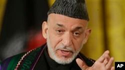 Presiden Afghanistan Hamid Karzai mengecam suap besar-besaran yang dibayar oleh kontraktor asing kepada para pejabat pemerintah Afghanistan (foto: dok).