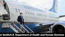 美国卫生部长阿扎尔抵达台北(2020年8月9日)