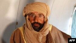 Սեիֆ ալ-Իսլամ Քադաֆին՝ ինքնաթիռում, 19 նոյեմբերի 2011թ.