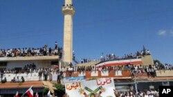 敘利亞仍有大批民眾要求總統下台。