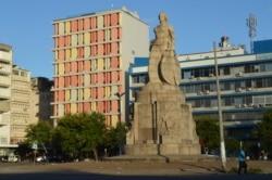 """Moçambique: Milhares de clientes do """"Nosso Banco"""" perdem poupanças"""