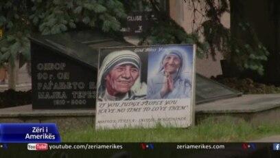 Shkup, reagime ndaj heqjes së shenjave në shtëpinë e lindjes së Nënë Terezës