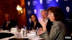 La Secretaria Adjunta para América Latina, Roberta Jacobson, se reunió con el canciller Rafael Roncagliolo y el primer ministro de Perú Óscar Valdés Dancuart.