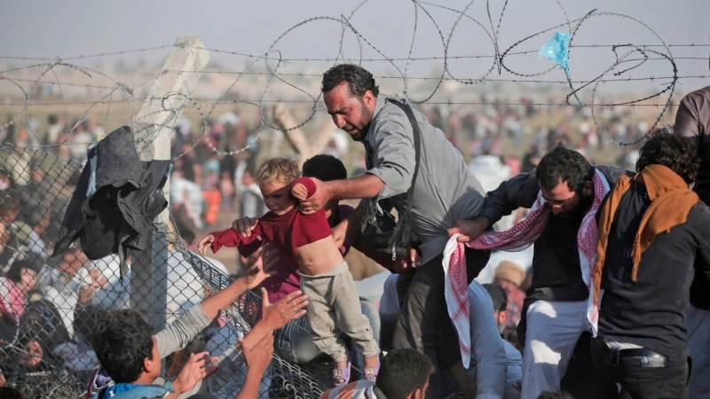 HRW: Turkey Closing Border for Syrian Refugees