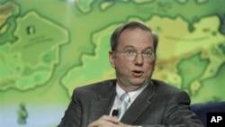 'گوگل' کے سربراہ ایرک شمٹ جنہیں انٹرنیٹ تک آزادانہ رسائی کے حق کا سرگرم حامی سمجھا جاتا ہے
