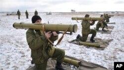 烏克蘭軍人進行演習。