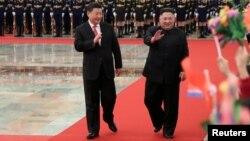 中国国家主席习近平2019年1月8日在北京人大会堂为朝鲜领导人金正恩举行欢迎仪式