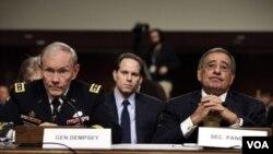 El jefe del Estado Mayor Conjunto, general Martin Dempsey, y el secretario de Defensa, Leon Panetta.