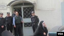 Polisi öldürən radikal dini dəstə üzvlərinə hökm oxunub