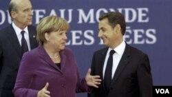 Kanselir Jerman Angela Merkel (kiri) diharapkan berperan lebih besar dalam mengatasi krisis zona Euro (foto: dok).
