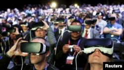 Samsung'un Gear VR gözlüğü Mobil Dünya Kongresi'nde büyük ilgi görmüştü