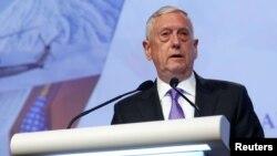 """美國國防部長馬蒂斯上週末在新加坡的""""香格里拉對話""""的亞洲安全峰會中發表講話。"""