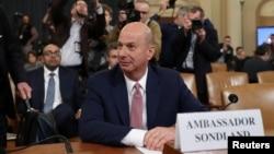 ARHIVA / Američki ambasador u EU Gordon Sondlend svedoči na pretresu Odbora za obaveštajna pitanja u Predstavničkom domu, 20. novembra 2019. (Foto: Reuters)
