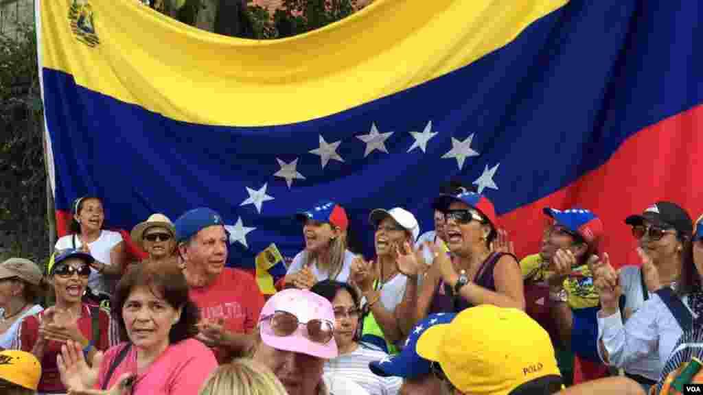 Las movilizaciones están destinadas a mantener la presión internacional para que el presidente en disputa, Nicolás Maduro, acepte una transición democrática y pacífica.