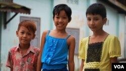 缅甸伊洛瓦底省省会勃生市,穆斯林和当地其他族裔相处愉快。(美国之音朱诺拍摄,2013年11月19日)