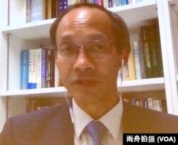 """獨立智庫""""香港民意研究所""""所長、""""香港大學民意研究計劃""""前總監鐘庭耀博士(Robert Chung) 在南加大美中研究所主辦的香港""""反送中""""運動專題討論會上"""