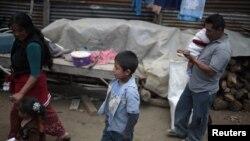 Según un nuevo reporte del Banco Mundial, la pobreza en Latinoamérica se redujo drásticamente entre el año 2003 y el 2010, cayendo del 29 por ciento a un 15 por ciento. Según este ente, una parte vital de esta mejora fue una mayor presencia de las mujeres