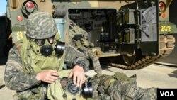 한국 해병대 흑룡부대는 최근 서해 최북단 백령도 일대에서 화생방전 대비 훈련을 했다고 12일 밝혔다.