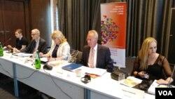 Učesnici rasprave u sprečavanju trgovine ljudima