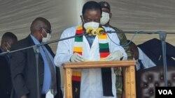 President Emmerson Mnangagwa addressing people in Gwayi, Matabeleland North, Friday, February 25, 2021. (Photo: Ezra Sibanda)