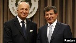 Paris'in başlıkla ilgili yeşil ışığı Fransa Dışişleri Bakanı Laurent Fabius ile Dışişleri Bakanı Ahmet Davutoğlu arasındaki görüşmede geldi.