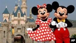 디즈니 만화의 주인공 미키 마우스와 미니 마우스. (자료사진)